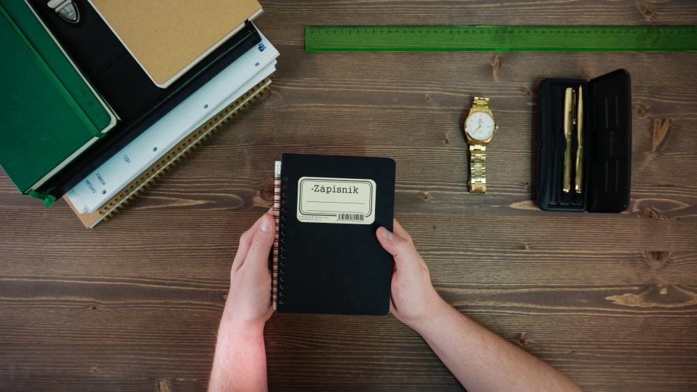 BOBO kroužkový zápisník z tužkou RETRO